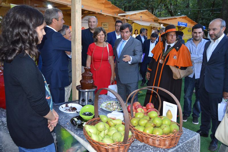 Além dos vinhos, os convidados também degustaram a pêra rocha