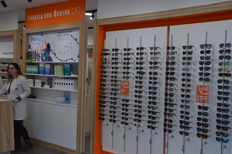 Em exposição estão cerca de 600 óculos