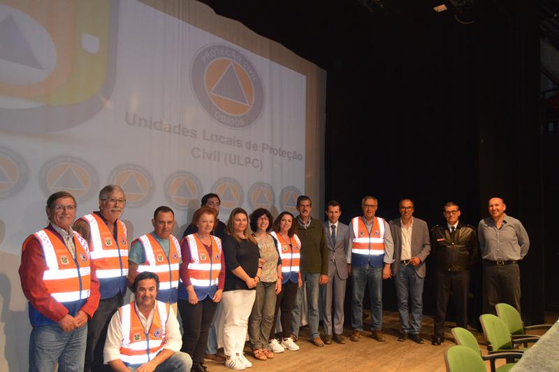 Entrega dos coletes identificativos aos elementos da ULPC