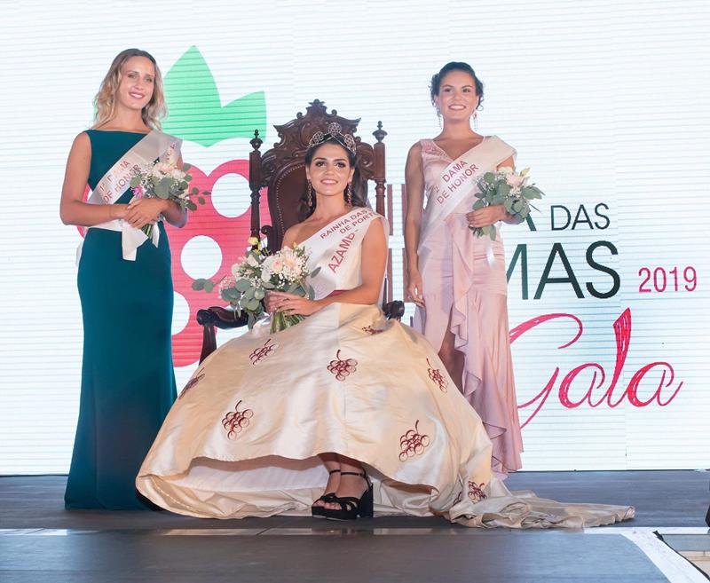 As três primeiras classificadas, com Marina Ferreira à direita