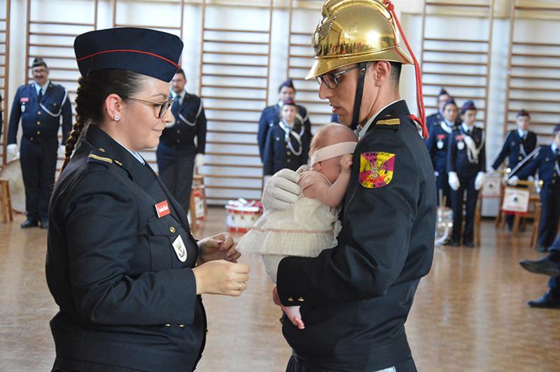 Promoção a bombeiro de 2ª de Ruben Soares, apadrinhado pela namorada bombeira e a sua filha