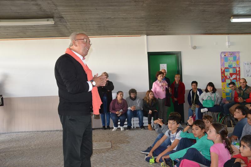 O jornalista e professor Artur Felício deu uma aula de cidadania aos alunos