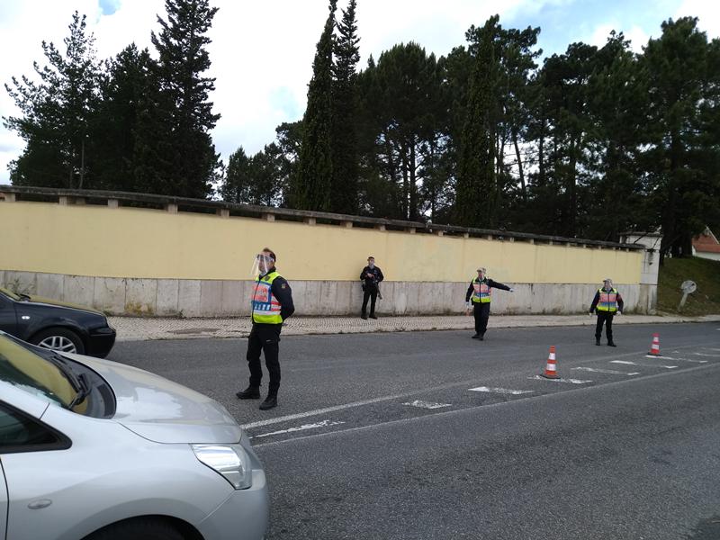 Doze condutores tiveram de regressar às suas casas e cinco foram autuados