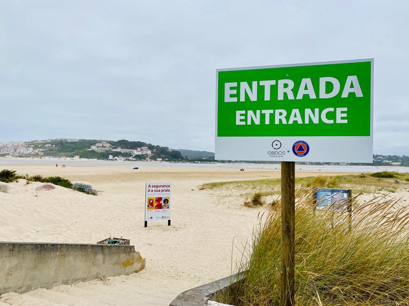 A praia do Bom Sucesso, em Óbidos, viu reduzida a lotação, a pedido da Câmara