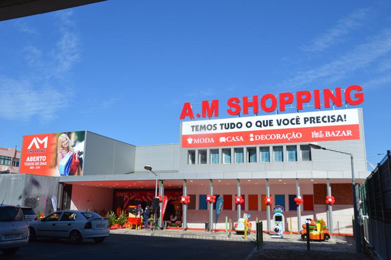 Com a abertura do A.M Shopping foram criados cerca de 30 postos de trabalho