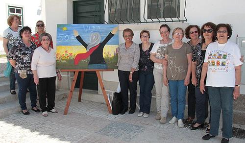 Alunas pintaram ao vivo na Praça do Município