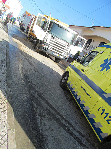 A vítima foi desencarcerada e levada para o hospital