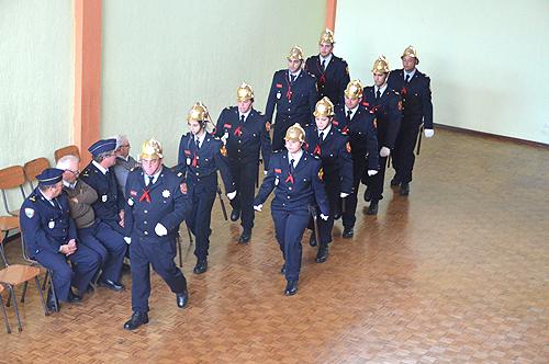 A caminho da integração na formatura com os restantes bombeiros