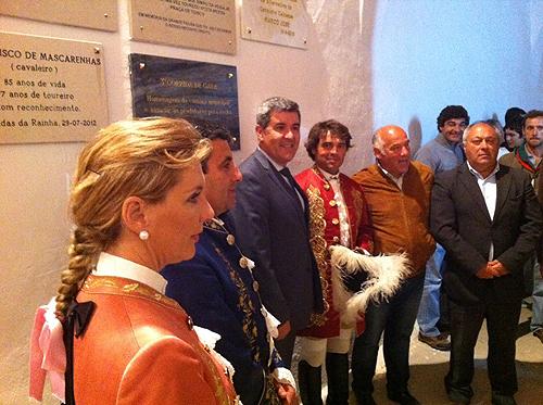 Cavaleiros com o presidente da Câmara