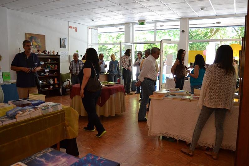A I Feira do livro decorre até ao próximo domingo (Foto: Carolina Neves)