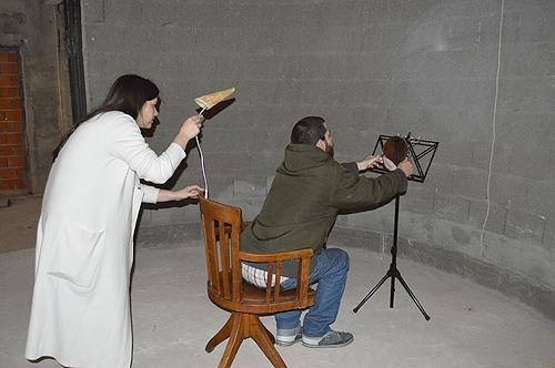 Ambas fizeram uma leitura artística das peças a quem visitou a exposição