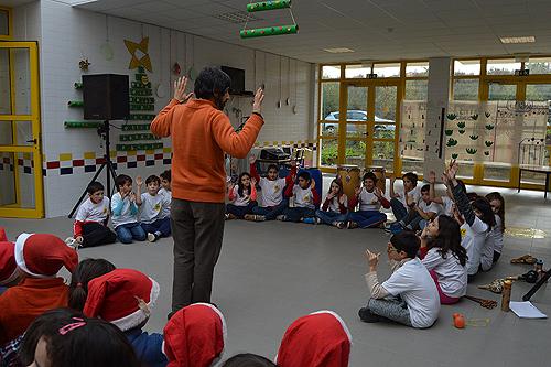 Vinte e um alunos tocaram e improvisaram na Festa de Natal