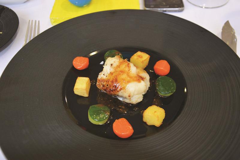 """""""Cilindros, Esferas e Cubos"""" foi o título do prato de peixe – tamboril escalfado, legumes e batatas."""
