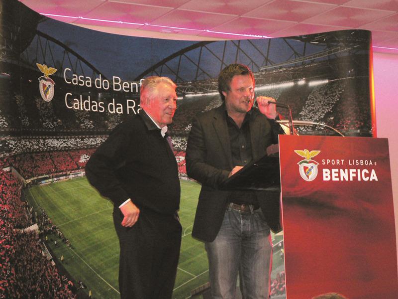 José Augusto, glória do clube, e o antigo jogador sueco, Schwarz