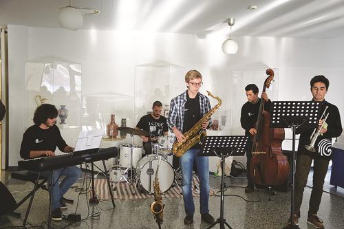 A sessão inaugural do Centro Qualifica contou com a atuação musical de jovens do Conservatório de Caldas da Rainha.